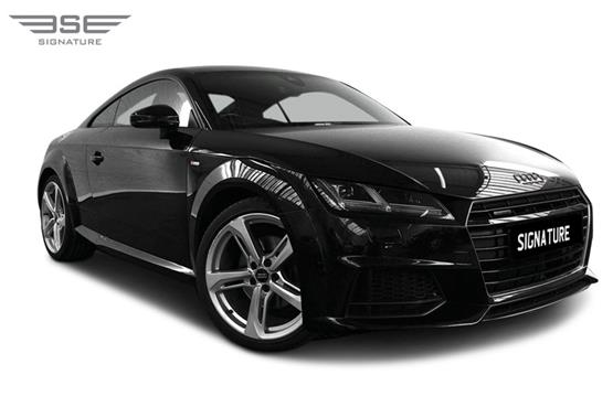Audi TT Right Front View