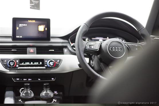 audi-a4--saloon-2.0tds-line-s-tronic-steering-dash