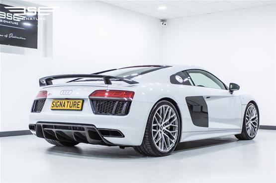 Audi R8 V10 Plus Right Rear View