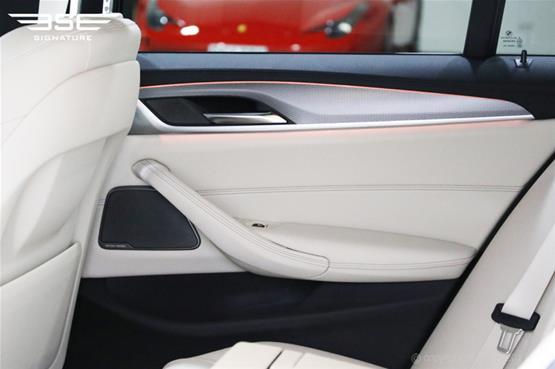bme-250d-inside-rear-door