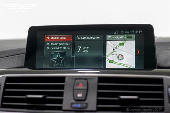 bmw-420d-convertible-screen