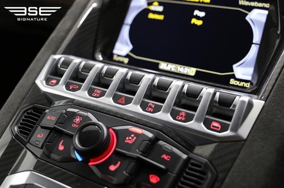 lamborghini-aventador-pirelli-edition-14