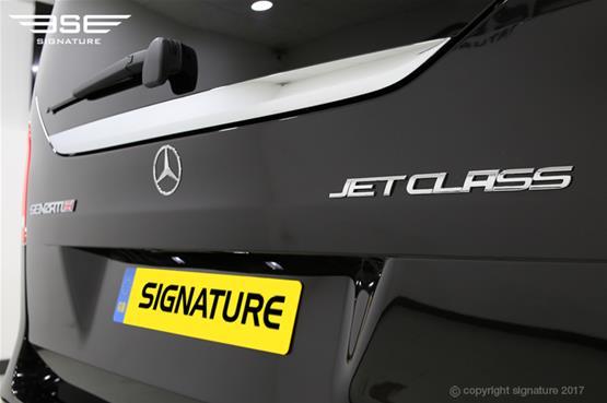 luxury-mercedes-v-class-rearend