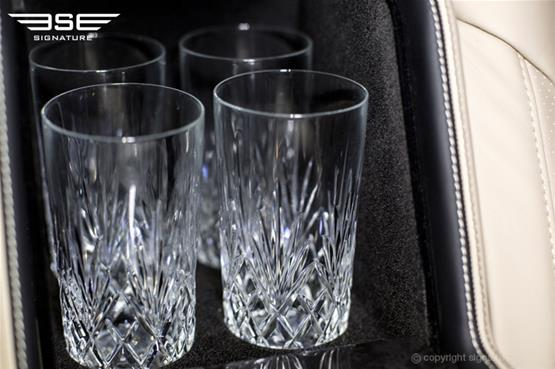 luxury-mercedes-v-class-storage-for-glasses
