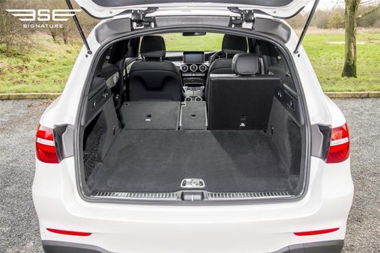 mercedes-GLC-220D-AMG-line-premium-plus-boot