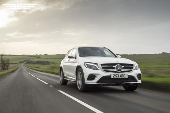 mercedes-GLC-220D-AMG-line-premium-plus-on-the-road2