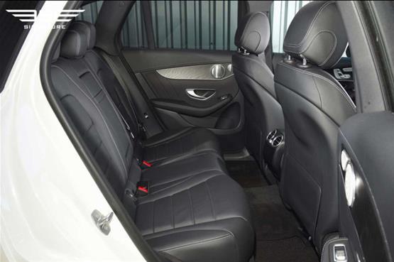 mercedes-GLC-220D-AMG-line-premium-plus-rear-inside