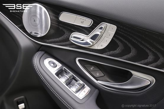 mercedes-GLC-AMG-line-inside-door-controls
