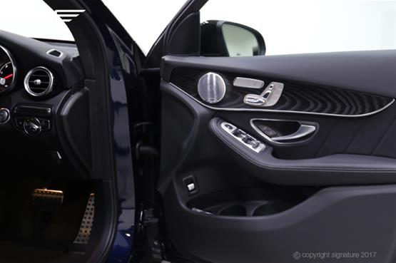 mercedes-GLC-AMG-line-inside-door