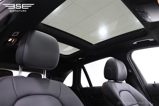 mercedes-GLC-AMG-line-sun-roof