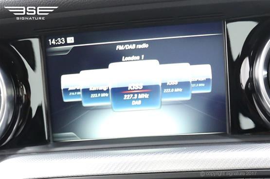 mercedes-SLC-250D-AMG-line-display