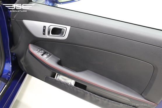 mercedes-SLC-250D-AMG-line-door-interior