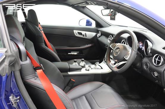 mercedes-SLC-250D-AMG-line-front-interior