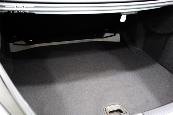 mercedes-e350d-amg-line-boot-space