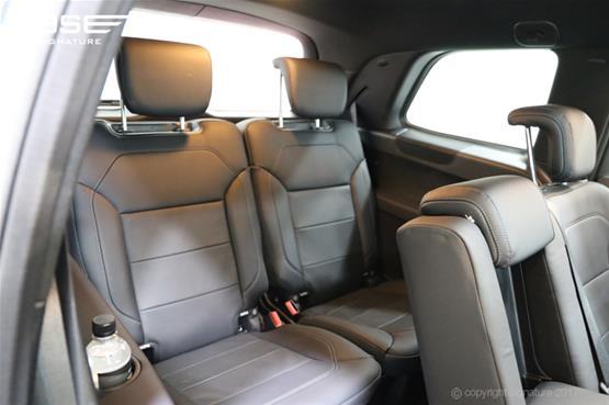 mercedes-gls-350d-rear-seats