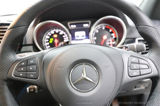 mercedes-gls-350d-steeringwheel