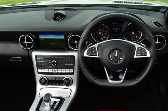 mercedes-slc250d-steering-wheel